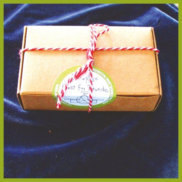 Gute Geister in der Geschenkebox